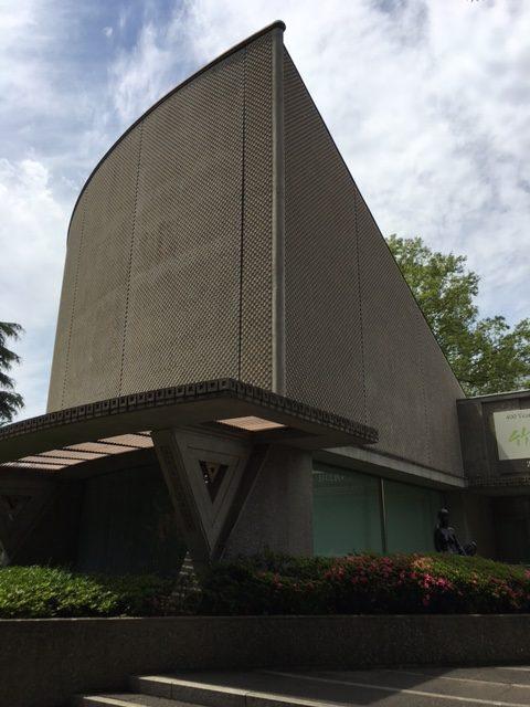 新緑の世田谷美術館に行ってまいりました!